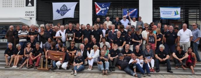 Les équipages du YCC à l'arrivée de la Coupe des Trois Phares 2010